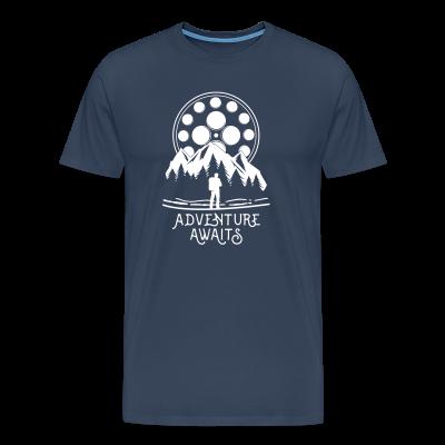 Motiv Adventure Awaits